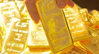 الذهب يرتفع متأثرا بالتحقيق مع حملة ترمب