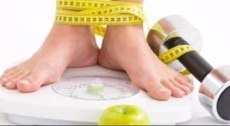 أخصائية تغذية توضح سبب ثبات الوزن.. فيديو