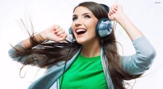 لماذا نتأثر بالموسيقى.. هذا ما تفعله بنا أغنية مفضلة