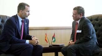الملك يبحث مع العاهل الإسباني المستجدات على الساحتين الإقليمية والدولية