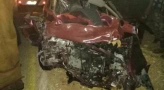 وفاتان و٣ إصابات بالغة بحادث تصادم في الطفيلة.. صور