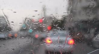 تجدد الأمطار في أجزاء مُختلفة من عمّان خلال الساعات القادمة وضباب فوق الجبال