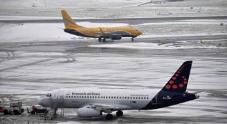 إلغاء مئات الرحلات الجوية في أوروبا بسبب الثلوج الكثيفة