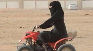 السماح للسعوديات بقيادة الدراجات النارية والشاحنات وعنصر نسائي بمراكز الأمن