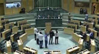 النواب يطالبون بتغليظ العقوبات بحق المعتدين على المعلمين
