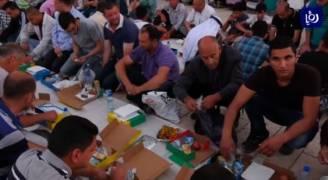 جمعيات خيرية تتسابق في توزيع مساعدات على الفقراء في رمضان