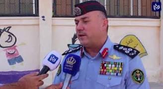  إدارة السير توزع حقائب مدرسية على طلبة منطقة قطر في العقبة