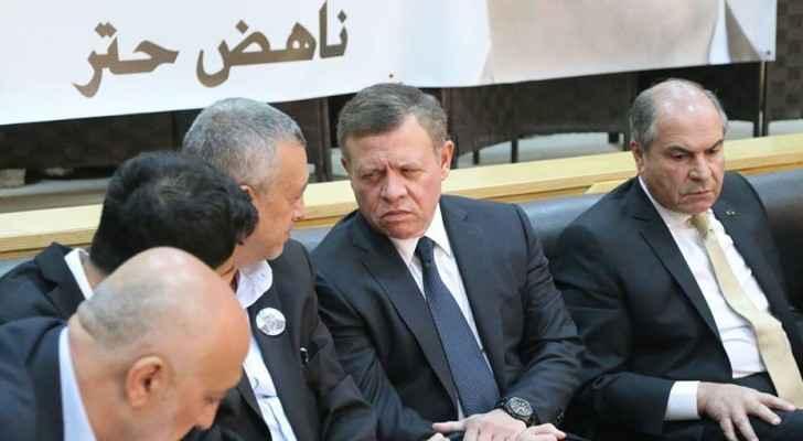 جلالة الملك عبدالله الثاني في ديوان عزاء حتر في الفحيص