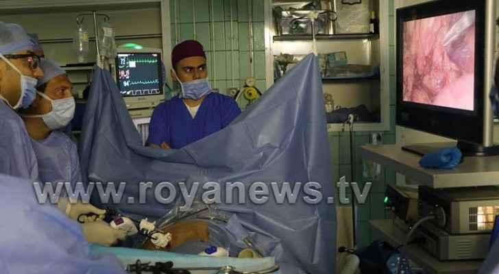 عملية جراحية لإستئصال ورم في الكلى باستخدام المنظار