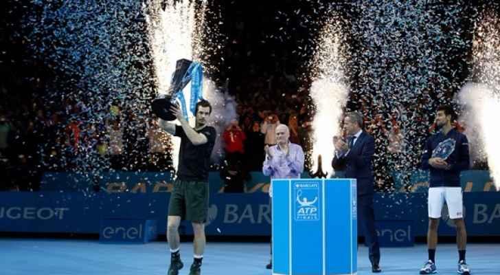 البريطاني آندي موراي يحرز لقب البطولة الختامية لموسم التنس للرجال