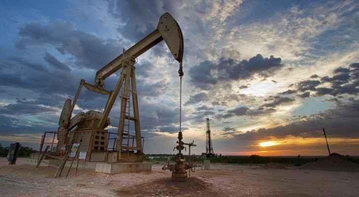 استخراج النفط من أحد الحقول