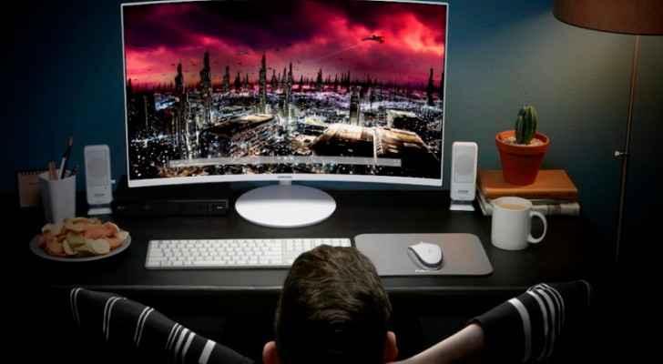 سامسونج تكشف النقاب عن شاشة منحنية بتقنية Quantum Dot