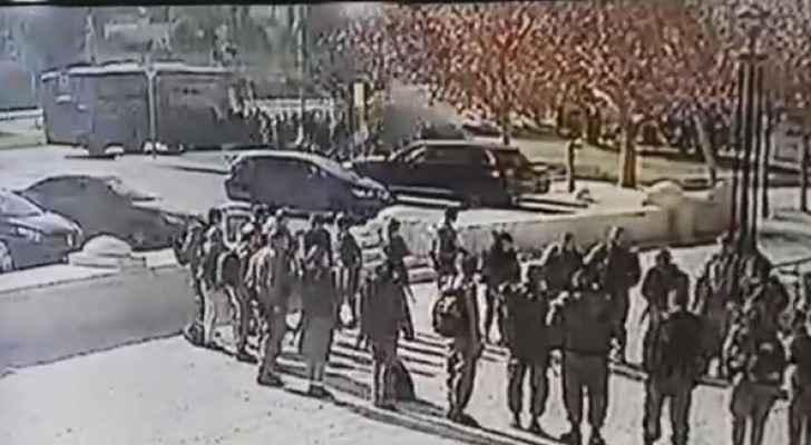 الاحتلال يسحب إقامات أسرة منفذ هجوم الشاحنة بالقدس