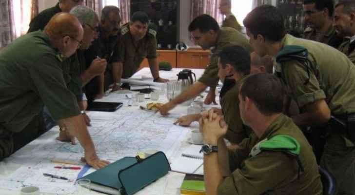 الاحتلال والسلطة يعتقلان مناصفة خلية فدائية لحماس بالخليل