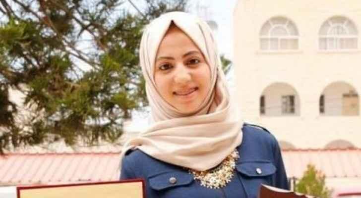 شابة فلسطينية تخترع تطبيقاً إلكترونياً يمنع اختناق الأطفال داخل السيارات