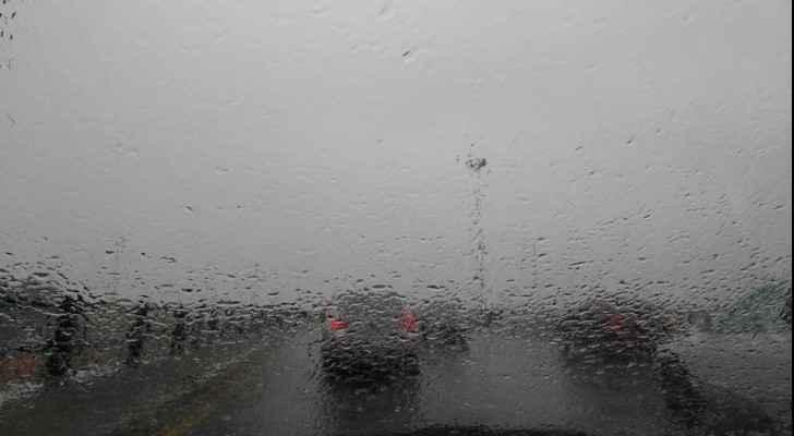 تساقط الامطار في العاصمة عمان