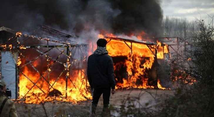 أرشيفية لحريق في مخيم للمهاجرين