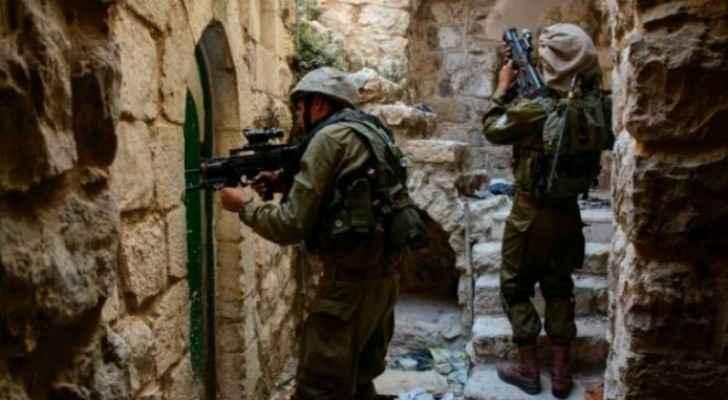 عناصر من الاحتلال الاسرائيلي