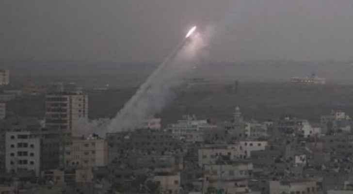 سقوط صاروخ بمنطقة مفتوحة بغلاف غزة