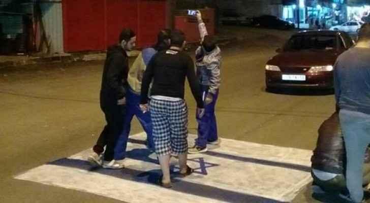 تحويل راسم علم إسرائيل بشارع في لواء بني كنانة للمتصرف