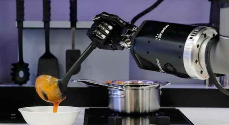علماء ألمان من تطوير روبوتات تستطيع الطبخ