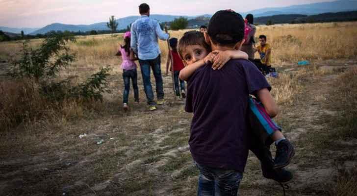 مهاجرون سوريون لحظة عبورهم إلى اوروبا