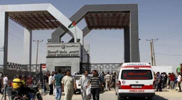 مصر تفتح معبر رفح لإدخال جثماني فلسطينيين و3 مرافقين