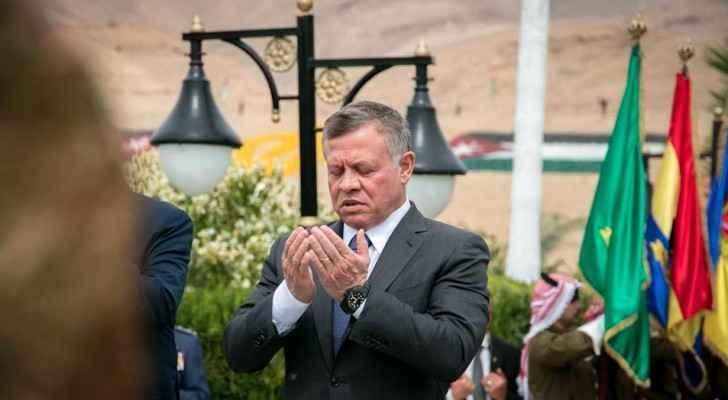 القائد الأعلى خلال زيارته الصرح التذكاري لشهداء معركة الكرامة