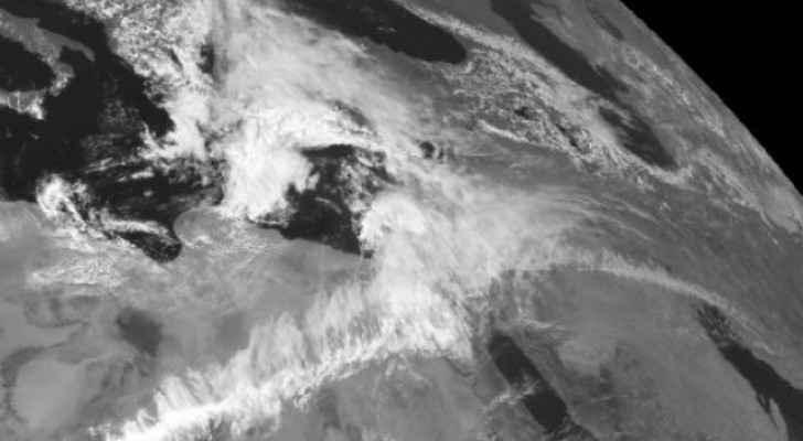 مُنخفض جوي خماسيني عميق يجلب الاضطرابات الجوّية للمنطقة لاحقاً هذا الأسبوع
