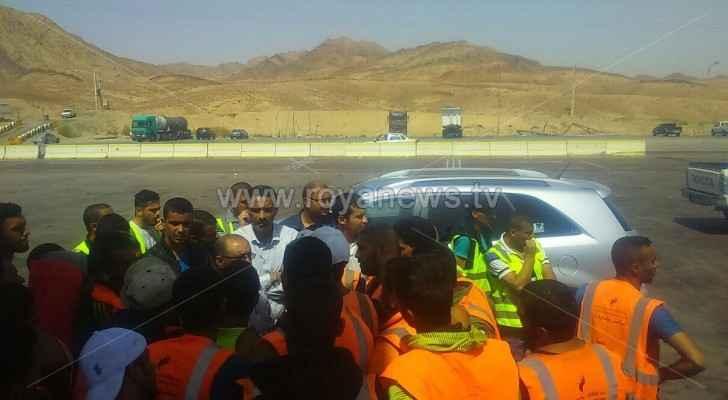 موظفو الساحة الجمركية بالعقبة ينفذون اعتصاما
