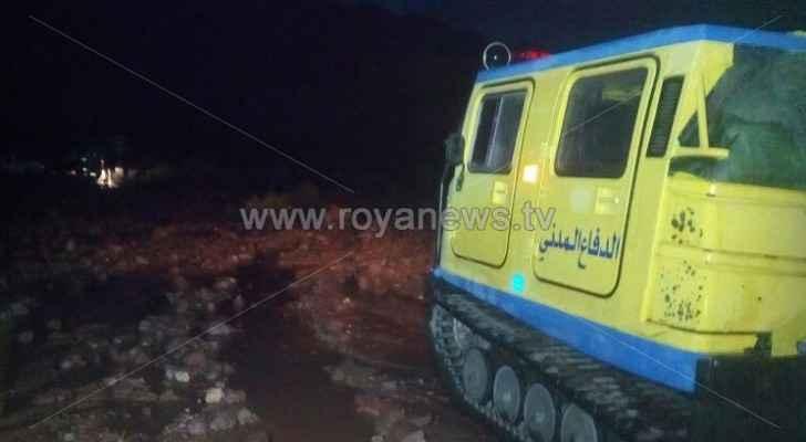 إنقاذ 94 شخصا حاصرتهم السيول الجارفة في وادي عربة
