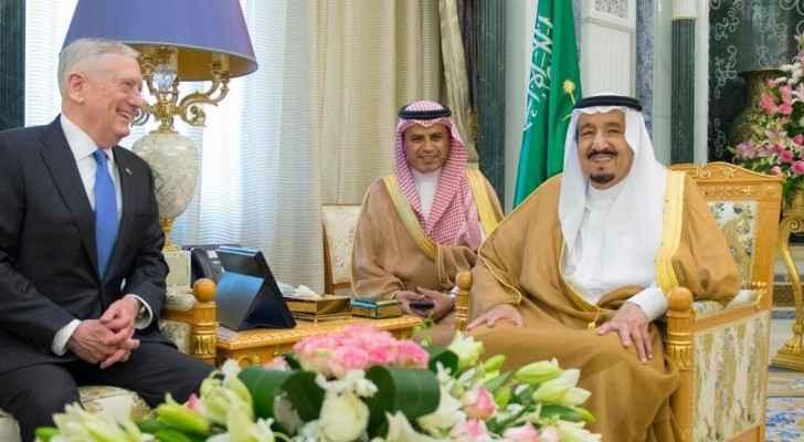 من لقاء وزير الدفاع الأميركي جيمس ماتيس الملك سلمان في الرياض
