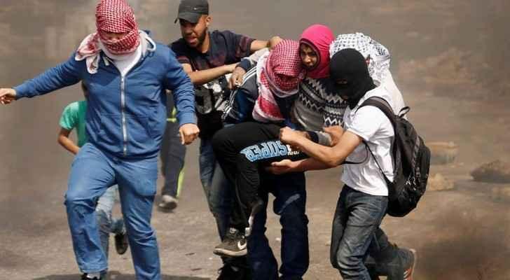 مواجهات عنيفة بين الشبان الفلسطينيين وقوات الاحتلال في الضفة الغربية