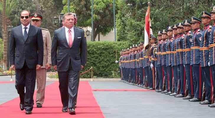 مراسم استقبال رسمية للملك في القاهرة