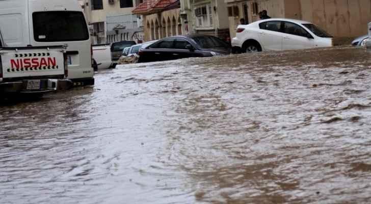 سيول جارفة وفيضانات بالطائف