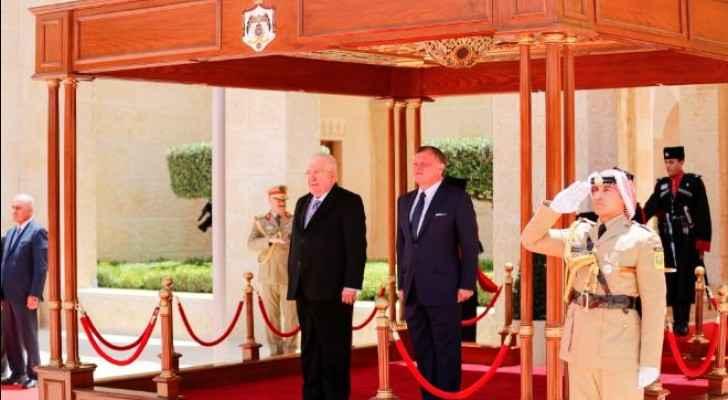 الملك يستقبل الرئيس العراقي
