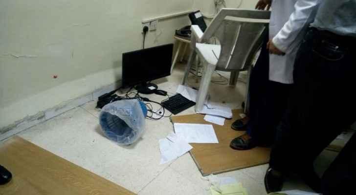 مرافقا مريضة يعتديان على طبيبين في مستشفى البشير