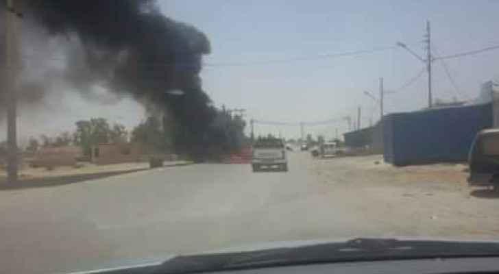 فتح طريق أغلقه أقارب الجندي التوايهه في الجفر