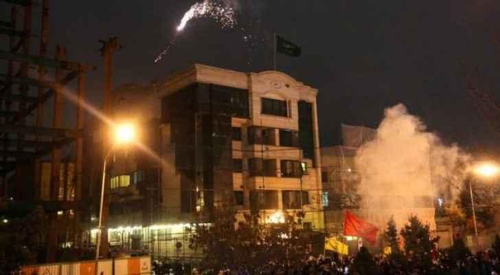 صورة من اقتحام السفارة السعودية في إيران