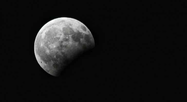 خسوف القمر في سماء العاصمة عمان