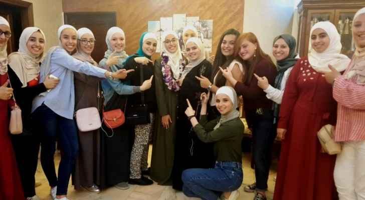 الأولى على الفرع الأدبي تريد أن تكون قدوة للعربيات المبدعات