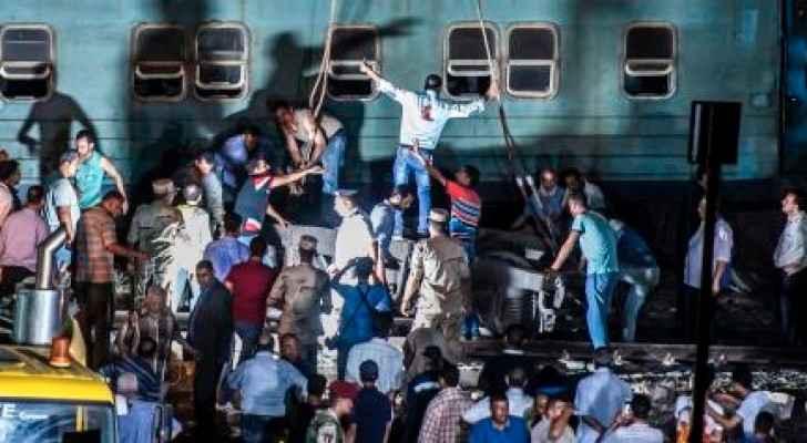 عشرات القتلى والجرحى بتصادم قطارين بمصر