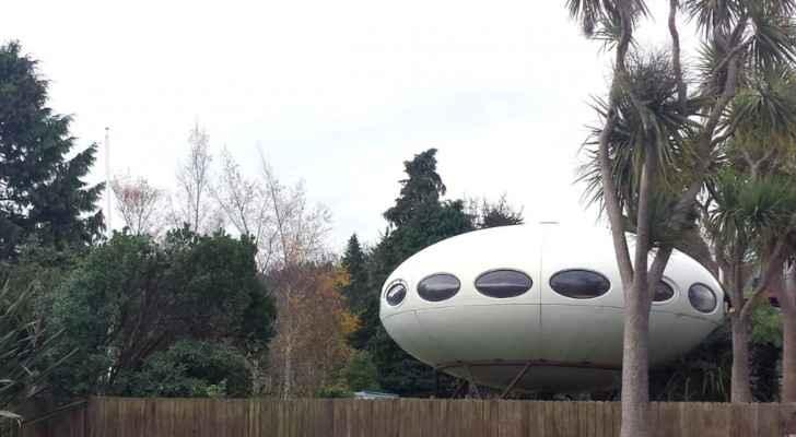 جرى تشييد البيت المصمم على شكل مركبة فضائية سنة 1974