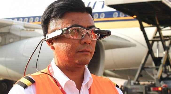 أفضل مطار في العالم يزوِّد العاملين بنظارات ذكية لفحص البضائع بمجرد النظر