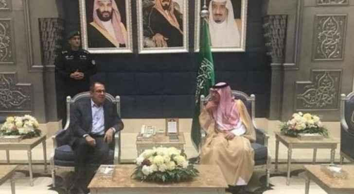وزير الخارجية الروسي يصل السعودية لبحث قضايا المنطقة