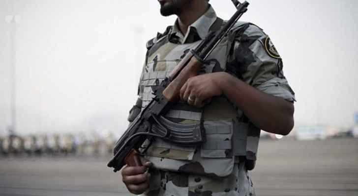 عنصر من الأمن السعودي