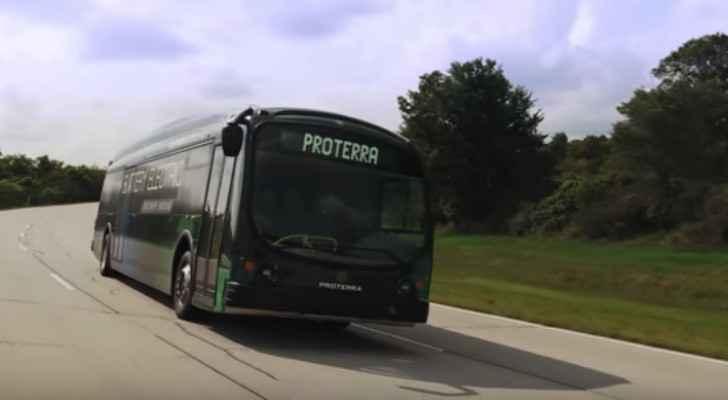 حافلة كهربائية تحطم رقما قياسيا عالميا ..فيديو