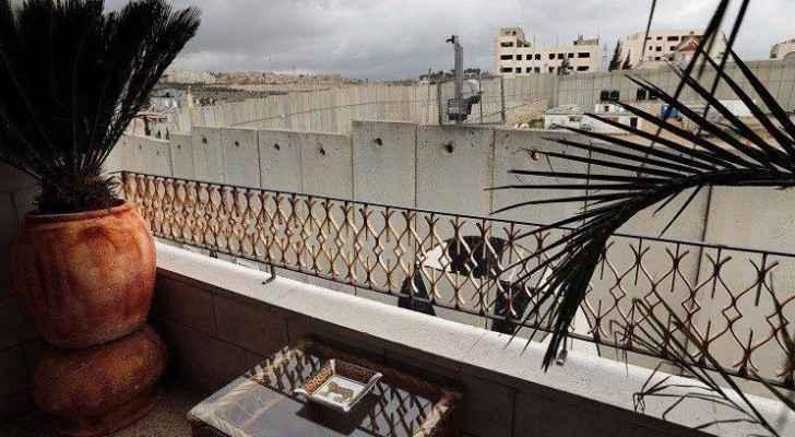 الفندق صاحب اسوأ موقع وإطلالة في العالم يقع في مدينة بيت لحم