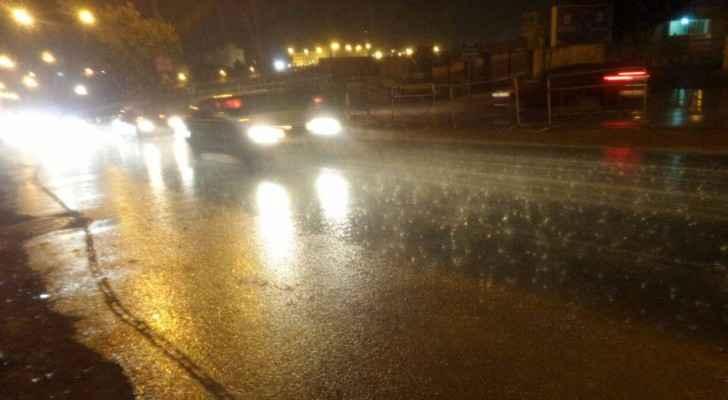 تساقط للأمطار في العاصمة عمان