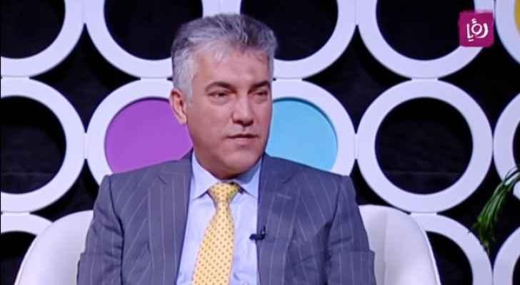 الدكتور وليد الجلاد - استشاري طب وجراحة العيون